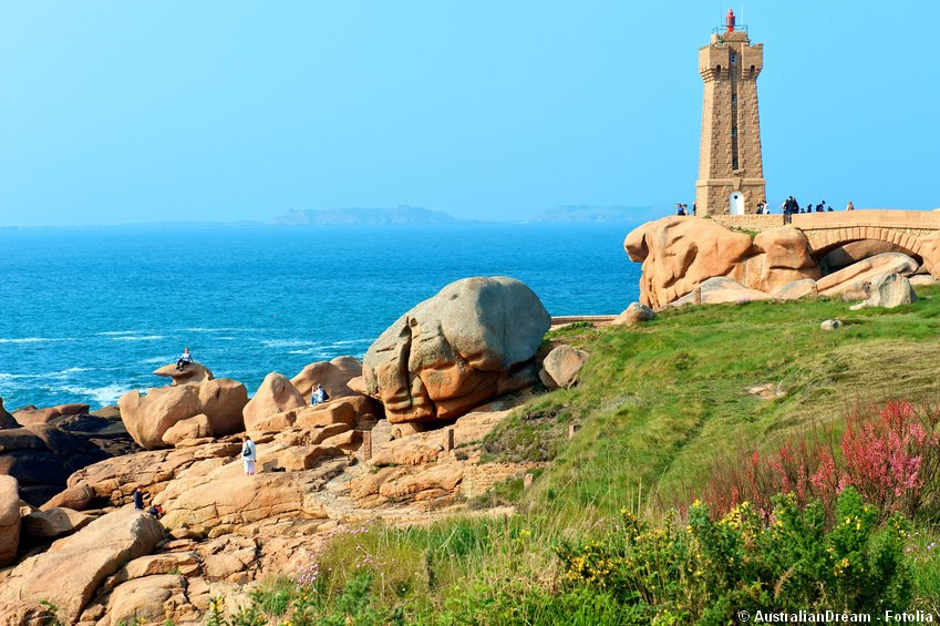 Pink granite coast around ploumanac'h
