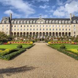 Massive mordelaises gates in Rennes